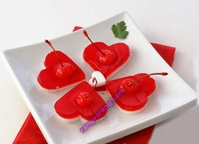 ژله دو رنگ با تزیین میوه