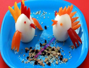 مدل تزیین تخم مرغ آب پز به شکل مرغ