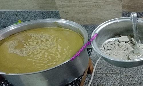 اضافه کردن خاک سفید برای تهیه شیره انگور در منزل