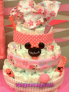 Decorate a girl's diaper cake