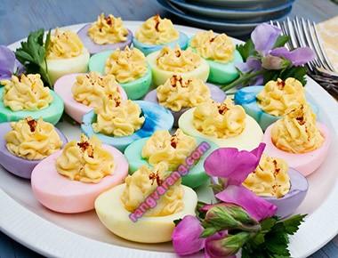 مدل تزیین تخم مرغ آب پز رنگی
